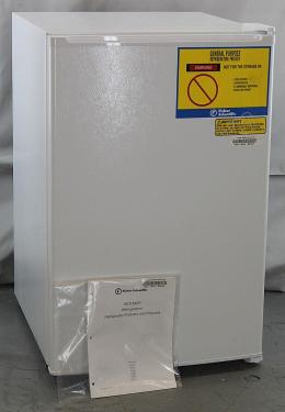 Fisher-Scientific-Undercounter-Freezer-Model-3752